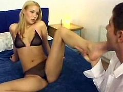 This is a foot Fetish tube action wthis guyre hot feets of sexy Blonde Babe being licked. this pussy also give hot mouthjob