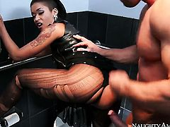 Skin Diamond gets rammed so hard by Johnny Castle that her wet hole will never be tight again