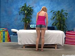 I love this body that Molly Bennett has! She has a perfect round ass and those full perky tits are just amazing.See how this sexy blonde babe gets pussy massage before he fucks her.