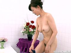 This salaryman has had a hard day, so he has visited a bathhouse and has invited a mature lady who works there to join him in the bathtub. She rubs his sore body and washes him sensually. Will she make him cum?