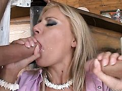Ian Scott makes his rock hard sausage disappear in bodacious Nikky Thorns bottom