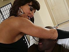 Sinful milf Lisa Ann bares her bubble ass and huge tits for black guy