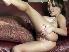 Jenna Presley puts on a solo show you cant miss