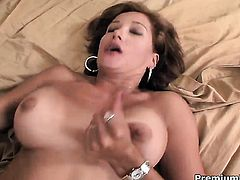 Aracely gives unthinkable sexual pleasure to hard dicked dude