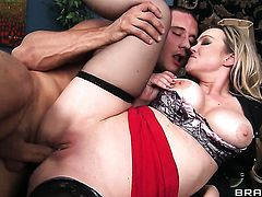 Abbey Brooks gets some in steamy anal session with Danny Mountain