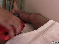 Granny Bet brings you a hell of a free porn video where you can see how this mature masseuse rides a young cock into heaven while assuming very sensual positions.