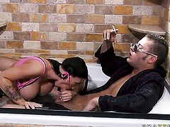 Jenna Presley with big breasts has a great desire to be face fucked by Danny Mountain