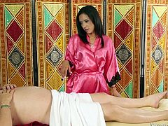 sexy tia gives a happy ending at the massage parlor