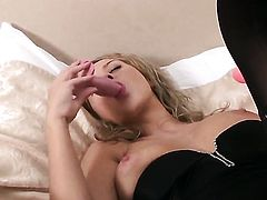 Mandy Dee cant stop fingering her fuck hole