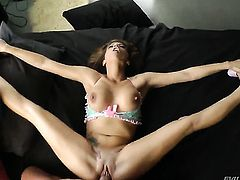 Chica loves to blow and cant say No to horny guy Nacho Vidal