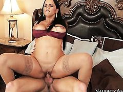 Diamond Kitty with round bottom and shaved pussy riding Ryan Mclanes erect love torpedo