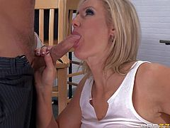 Super sexy prisoner Zoey Holiday gives titjob