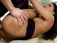 Brunette Sophie Lynx taking anal sex to the whole new level