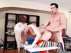 Callie Cobra knows how to take sex to the whole new level as she fucks with hot guy Billy Glide