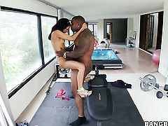 Tia Cyrus strokes ram rod harder and faster until man explodes