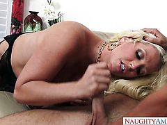 Seth Gamble pulls out his cock to fuck ultra hot Alura Jensons twat