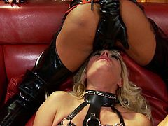 Latex fetish sex scene with milf Michelle Thorne sucking cock