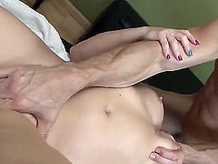 Naked tattooed brunette Casey Cumz gives great blow job