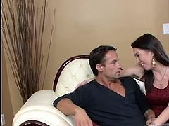 Attractive dark haired MILF hoe together with giant knockers RayVeness gives deepthroat fucking and screws the huge penis only onto Spicy America