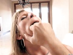 Manuel Ferrara stretches sexy bodied Sara Jays mouth with his erect dick to the limit