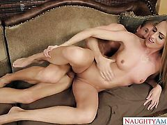 Ryan Mclane touches the hottest parts of fascinating Roxy Roxs body before he fucks her love tunnel