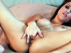 Malena Morgan bares it all as she plays with her love tunnel