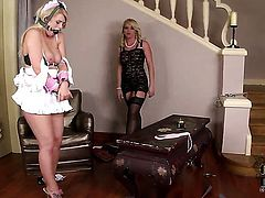 Kathia Nobili gets tongue fucked by Bonnie Rose the way she loves it