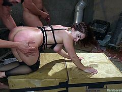 Five angry cocks find their way to Lea's naughty cunt and appetizing ass. The brunette milf with fantastic tits gets awfully screwed from behind or with legs widely spread. Mouth fuck is part of the dirty rough game. Don't miss the hardcore sexy scenes!