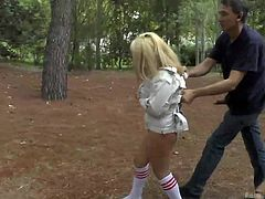 Mitsuki gets a rough treatment. A brunette milf helps a horny guy disgrace the naughty bitch while outdoors. The blonde-haired babe is bonded and persuaded to suck the man's cock while sitting on her knees on the ground and Sandra pulls her hair. Then she gets her pussy rammed from behind.