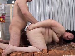 Young dude fucks ugly chubby whore in doggy positions