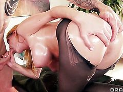 Criss Strokes has unthinkable sex with Blake Rose