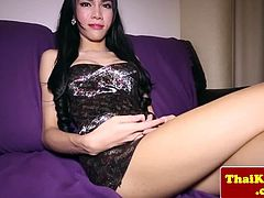 Young ladyboy tranny knows how to tease before wanking