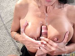 Ava Addams with massive melons and Van Wylde enjoy oral sex they will never forget