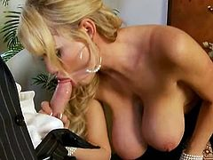 Penis junkie Kelly Madison gets the great big 1 to suck and titty make love
