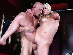 Johnny Sins gives lovely Zoey Paiges wet hole a try in sex action