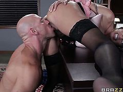 Johnny Sins ejaculates after Ariella Ferrera with massive hooters gives magic throat job
