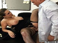 Brunette Elle Cee with big booty is ready to spend hours jerking dudes love stick with her hands