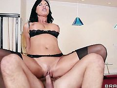 Keiran Lee gets his always hard love wand eaten by Lezley Zen with huge breasts
