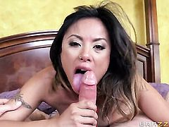 Bradley Remington gives unthinkably sexy Kaylani Leis mouth a try in oral action