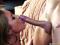 Keiran Lee gets pleasure from fucking Horny Nadia Capris slit