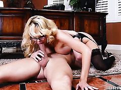 Courtney Taylor makes Johnny Sins happy by eating his rock solid schlong