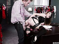 Brooklyn Chase with giant hooters gets her twat stretched by stiff schlong of Danny D