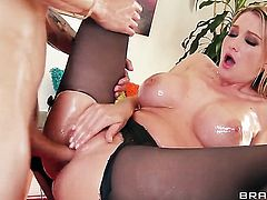 Criss Strokes wants to fuck mouth-watering Blake Roses wet muff pie forever