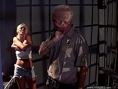 Horny Police feeds on lustful blonde in Short and Stockings he inserts his cock hungry in her pussy and slam it in Backstage Reality