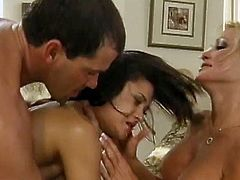 Lovely cougar with hot ass giving a huge dick blowjob then getting her pussy licked and pounded hardcore doggystyle in a threesome sex