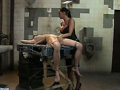 Brunette is on the edge of nirvana after lesbian sex with Mandy Bright