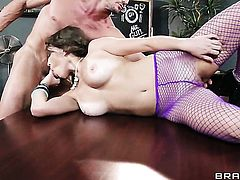Tommy Gunn bangs adorable Lily Loves beautiful face with his meat stick