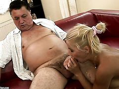 Blonde Nikky Thorne offers her muff to horny man