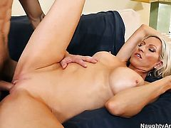 Emma Starr fucking like a first rate whore in steamy action with Joey Brass