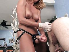 Brenda James wants Wolf Hudson insert his dick in her backdoor again and again